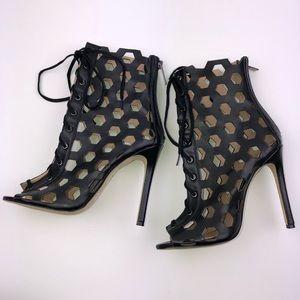 Bebe Size 7 High Heels Stilettos Black